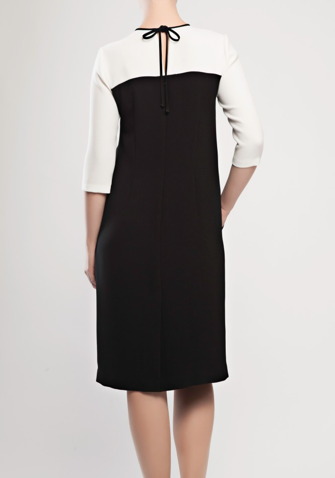 Crepe dress with pockets
