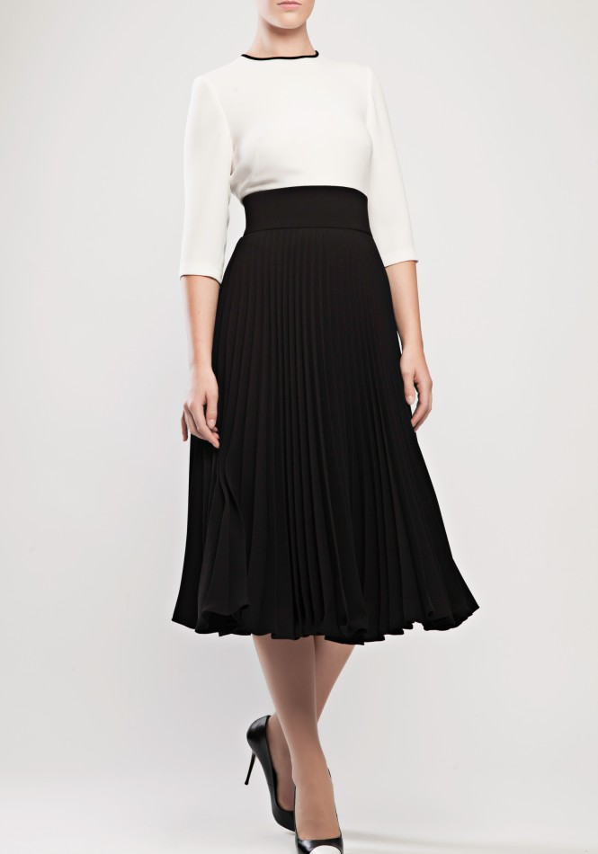 Slit-back two-toned pleated crepe dress