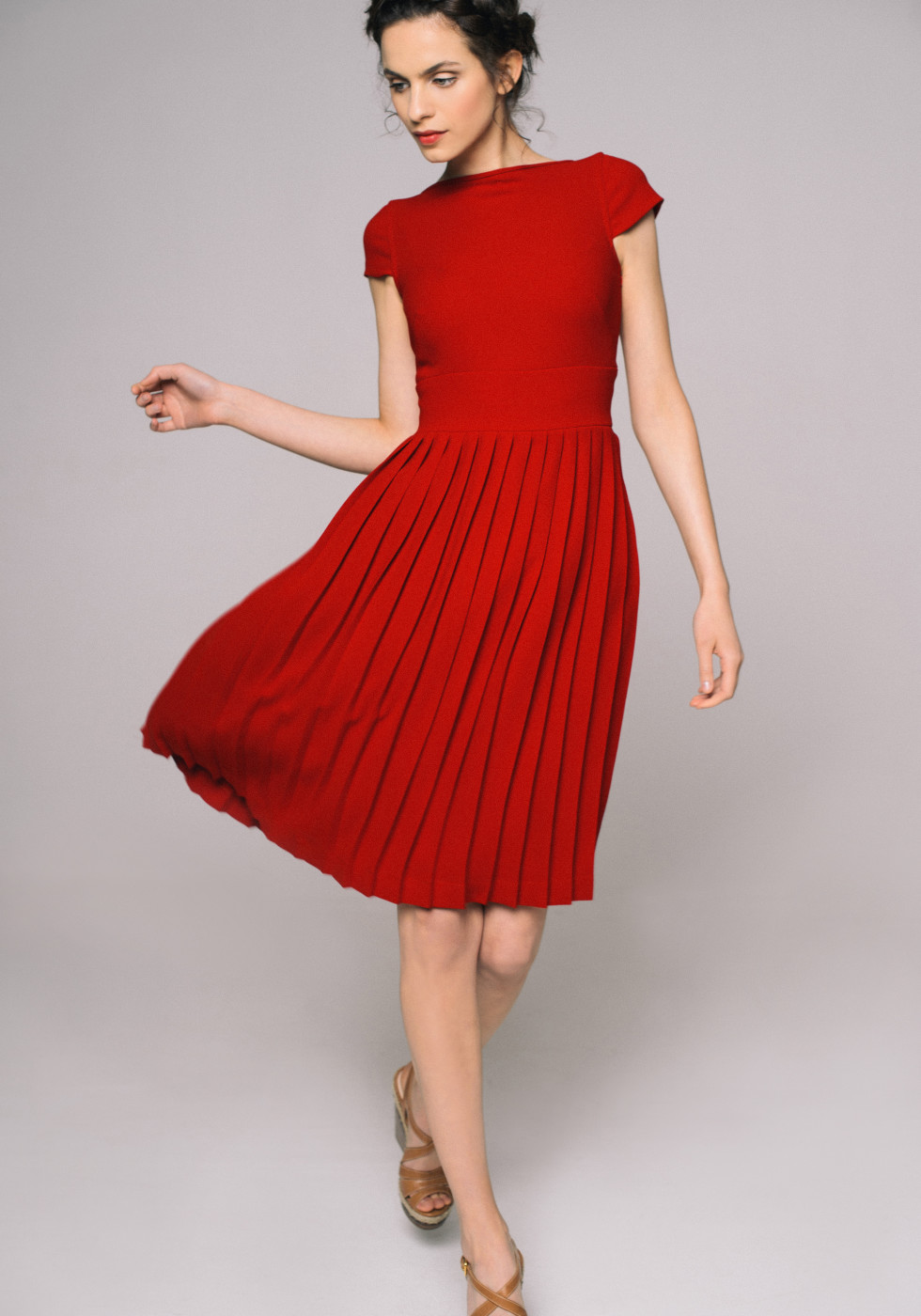Dress with straight pleats