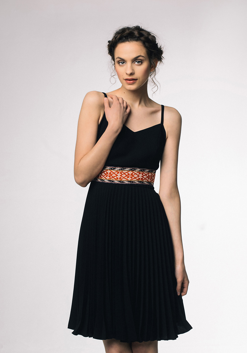 Pleated dress with shoulder straps